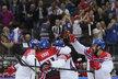 Petr Čáslava (vpravo) se jde radovat z gólu proti Kanadě s Jaromírem Jágrem, Martinem Eratem a Janem Kovářem