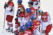 Zklamaní čeští hokejisté po semifinálové porážce s Kanadou...
