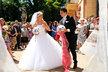 Na svatbě hráče Spartaku Moskva nemohly chybět ani fotbalové míče