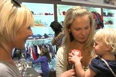 Michaela Badínková musela během rozhovorou hlídat i dcerku
