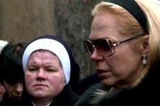 Dagmar Havlová uložila manželovu urnu do rodinné hrobky