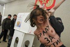 Polonahé aktivistky protestovaly proti Putinovi