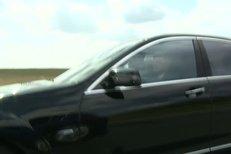 Při cestě z letiště Blesk předjel Michaela Schumachera