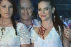 Andrea Verešová s manželem a jeho dcerou