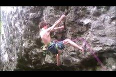 Kolik párů lezeček zničí český horolezec Adam Ondra za rok?