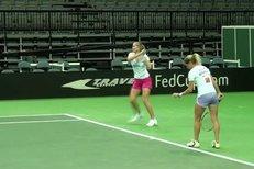 Lucie Hradecká se chystá s českým týmem na finále Fed Cupu