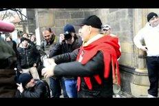 Zpěvačka Olga Lounová rolnila s Landou: Lounová: Dosti bylo rozkradačů v naší zemi, může z nás jít trochu strach!