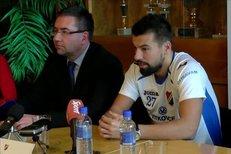 Milan Baroš potvrdil svůj návrat do Baníku podpisem smlouvy