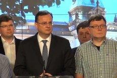 Premiér Nečas oznamuje DEMISI! Nagyová ho položila.