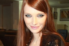 Iva Frühlingová by bez make-upu nevyšla z domu.