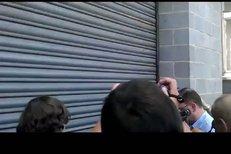 Exkluzivní video: Nečas skočil Nagyové do náručí