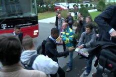 Sympaťáci z Bayernu, v Plzni se fanouškům podepisoval i Ribéry