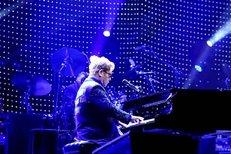 Elton John to rozjel v Praze a zabodoval!