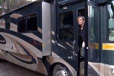 Helena Vondráčková předvedla svůj luxusní autobus!