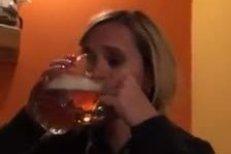Monika Absolonová a její Pivní výzva! MInuta utrpení.