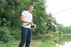 Fotbalista Kadeřábek na rybách: Nevadí mi, když nic nechytím