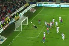 Plzeň - Hradec Králové: Nádherný gól Limberského na 1:0