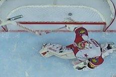 Kliďas Furch rozlámal hokejku. Sparta ho vyhnala z branky čtyřmi góly