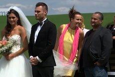 Mareš se oženil s Faltýnovou! Splněný sen kazí jediné... Je to fikce!