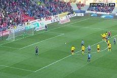 Plzeň – Sparta: Bičík fauloval Ďuriše, jeho penaltu ale chytil!