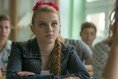 Okatá blondýnka z filmu Dvojníci by si ráda zahrála princeznu: Líbila by se vám?
