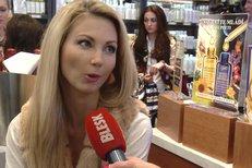 Zprávařka Sandra Parmová: Kam musela jít pro první pusu?