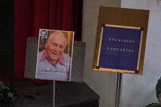 Pohřeb zpěváka Stanislava Procházky (†96): Oplakal ho i jeho žák Zíma (83)!