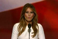 Místo Donalda Trumpa se za řečnický pultík postavila jeho manželka.