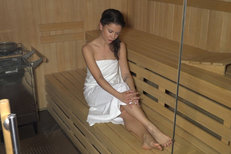 Kráska z Mamma Mia! polonahá v sauně: Musím dřít, abych byla hubená