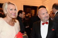 Bronzový Slavík Michal David: Manželka mu povolila sexy blondýnu!
