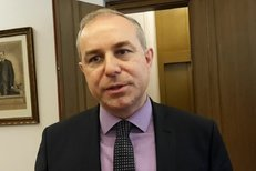 Předseda lidovecký poslanců Jiří Mihola je s datem voleb spokojen. Účast u voleb se podle něj odvíjí od snah politiků
