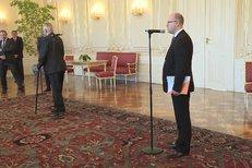Moment potupy: Sobotka mluvil, Zeman odešel v půlce věty