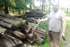 Kníže má průšvih: Ve svém lese skladuje nebezpečný odpad