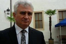 Měl by jít na neschopenku, má jasno o absentujícím senátoru Františku Čubovi předseda Sednátu Milan Štěch (ČSSD).