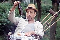 Ukázka z filmu Na samotě u lesa. František Řehák jako pan Lorenc