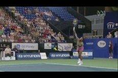 Dělový servis Sereny Williamsové se může používat v učebnicích tenisu