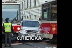 Zuzana Paroubková není se svým kuriozním parkováním sama. Podívejte se na další řidičky...