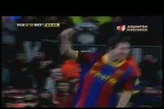 Lionel Messi ukázal fanouškům Zlatý míč a pak nasázel Betisu tři góly