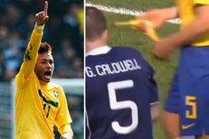 Brazilec Neymar si po utkání stěžoval, že po něm skotští fanoušci házeli banány.