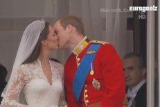 VIDEO: První novomanželský polibek Kate a Williama