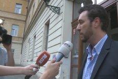 Domenico Martucci šel za Ivetou do nemocnice. Jelikož však není její příbuzný, lékaři mu vůbec nic k jejímu zdravotnímu stavu nesdělili