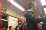 Nástupce Hrušky Nyklas v metru: Strhaný a unavený!