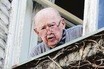 Lubomír Lipský (92): Riskantní operace! Z domu ho musí vynést!