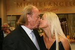 Partnerka českého milionáře slavila narozeniny! Co od něho zpěvačka dostala, vám vyrazí dech!