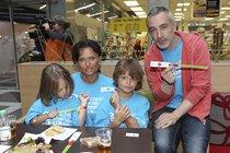 Jana Adamcová s dětmi a Petr Vacek