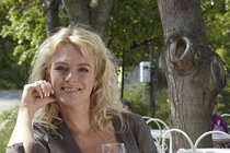 Ťukněte si s celebritou! Herečka Lucie Benešová slaví 42!