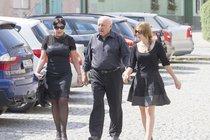Dáda s Felixem a dcerou cestou na pohřeb. Tehdy ještě netušila, že...