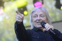 Ťukněte si s celebritou! Zpěvák Václav Neckář slaví 73!