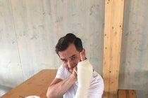 Ondřej Sokol z »Tváře«: Rozřezávali mu ruku! Natáčení v ohrožení?!