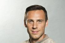 Ťukněte si s celebritou! Herec Roman Vojtek slaví 45